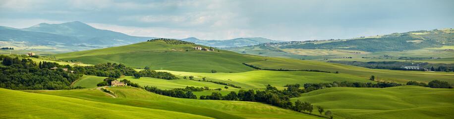 Panoramic view hills of Tuscany Italy Fototapete