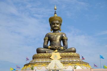 Maha Dhamma Racha Buddha Statue