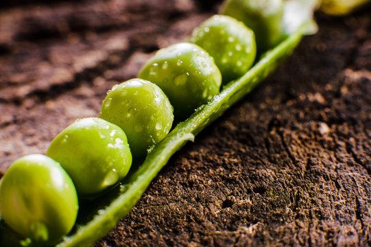 Green peas on