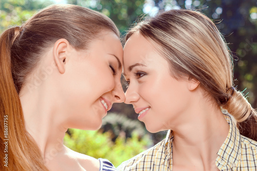 charmco single lesbian women Pinkcupid is a leading lesbian dating site, helping thousands of lesbian singles find their match as a large online lesbian community, we are one of the most trusted places for women to connect, fall in love and get to know each other.