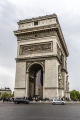 Arc de Triomphe de l'Etoile on de Gaulle Place, Paris, France.