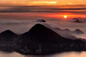Fototapete - Rio de Janeiro Mountains by Sunrise