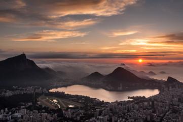 Fototapete - Beautiful Sunrise in Rio de Janeiro