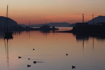Abendstimmung im Hafen von Bantry