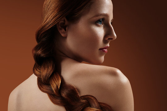 woman with a perfect redhead tress