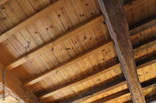 plafond avec poutres apparentes photo libre de droits sur la banque d 39 images. Black Bedroom Furniture Sets. Home Design Ideas