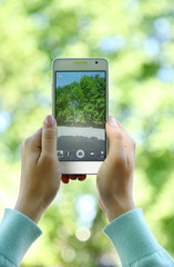 Taking picture of nature with smart phone