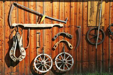 alte Bauernwerkzeuge