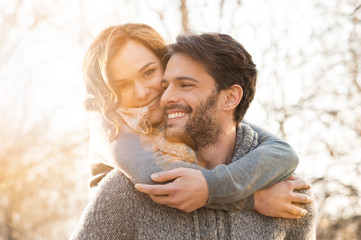 Fototapeta Couple piggyback obraz