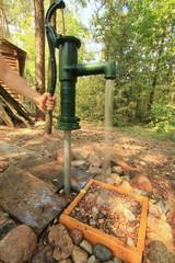 Fototapeta woda głębinowa (water well)