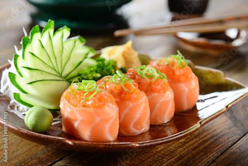 Рыба в тарелке загрузить
