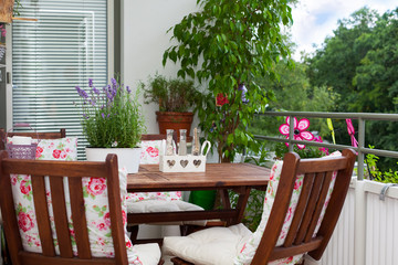 balcony in summer - Balkon im Sommer, Tisch, Stühle, Deko