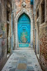 Door in Venice - fototapety na wymiar