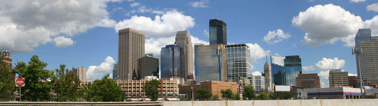 Panorama of Minneapolis skyline viewed from the northwest