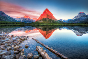 Photo Blinds Lake Swiftcurrent Lake at Dawn