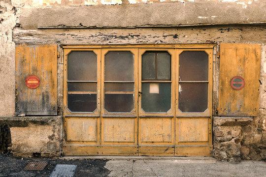 boutique abandonnée