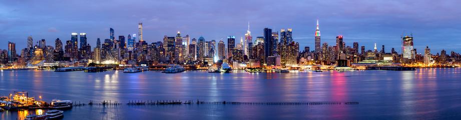 Fotomurales - New York Panorama bei Nacht mit Blick auf die Manhattan Skyline
