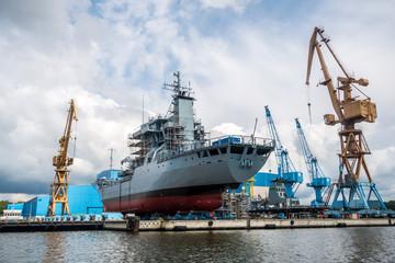 Schiffsbau, Werft