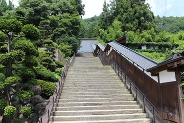 立石寺への参門の階段