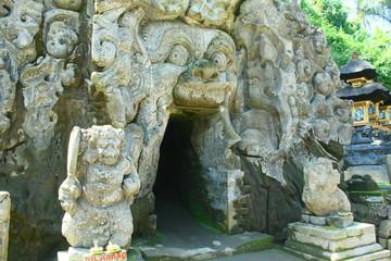 バリ島のゴアガジャ遺跡