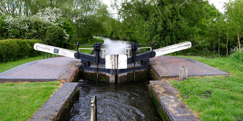Lock gate on the Staffordshire and Worcestershire Canal