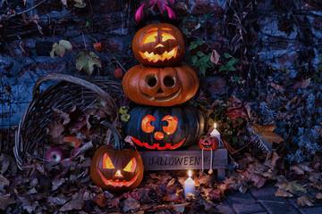 Gruselige Halloween Kürbisse