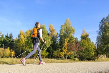 Fit in den Herbst mit Nordic Walking