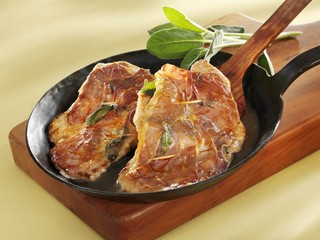 Saltimbocca in iron frying pan