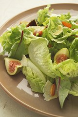 Lettuce with figs