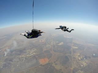 Skydiver films tandem skydive