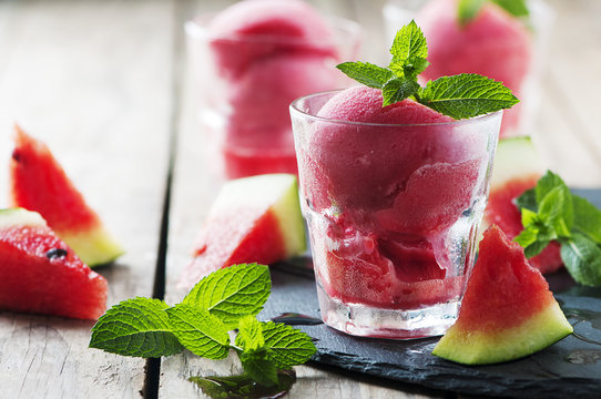 Ice cream wirh watermelon and mint
