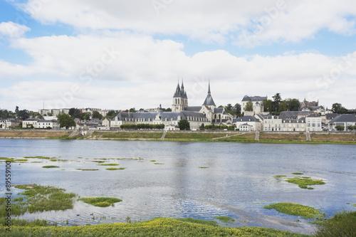 france blois view of saint nicholas church and royal castle with river loire photo libre de. Black Bedroom Furniture Sets. Home Design Ideas