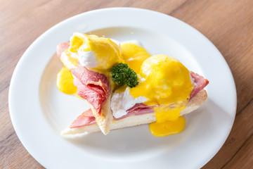 Eggs Benedict Ham