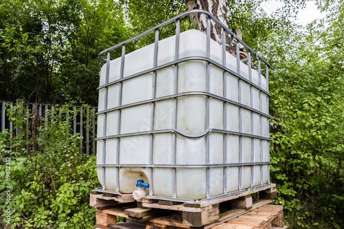 regenwassertank stockfotos und lizenzfreie bilder auf bild 89612312. Black Bedroom Furniture Sets. Home Design Ideas