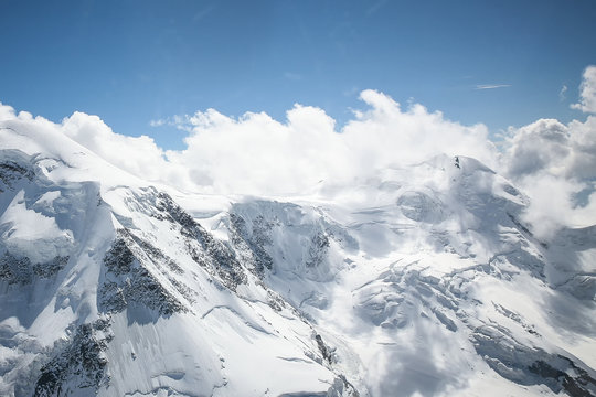 Von den Bergen zu den Wolken