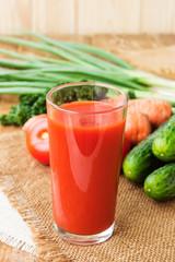 Vegetable juice with fresh vegetables