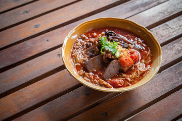 Rice noodles with spicy pork sauce (Nam ngiao)