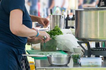 Printed roller blinds Grocery Koken met kruiden op festival