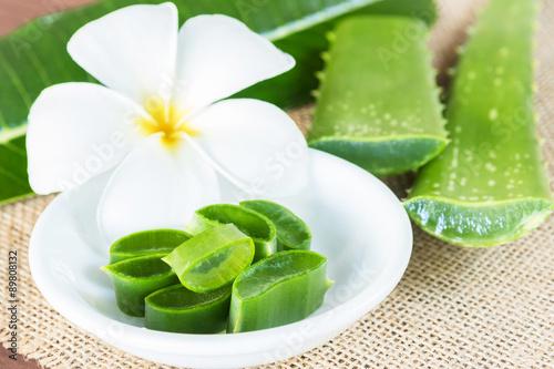 aloe vera for skin treatment and use in spa for skin care photo libre de droits sur la banque. Black Bedroom Furniture Sets. Home Design Ideas