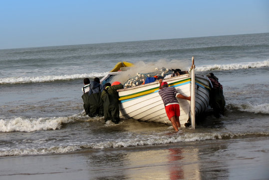 Barco de pesca artesanal
