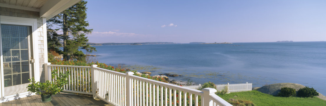 House with a view of Spruce Head Harbor, Maine