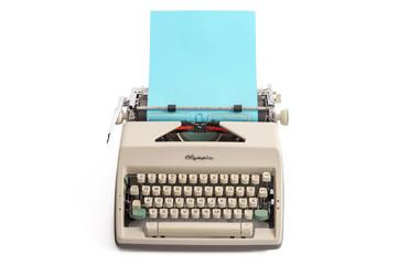 Schreibmaschine mit Papierbogen