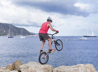 Freestyle bike sea