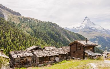 Zermatt, Dorf, Bergdorf, Walliser Dorf, Alpen, Schweizer Berge, Walliser Alpen, Findeln, Weiler, Sunnegga, Stall, Berghaus, Kapelle, Matterhorn, Wallis, Sommer, Schweiz