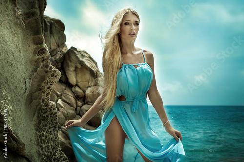 девушка синее платье блондинка girl blue dress blonde  № 3921615 загрузить