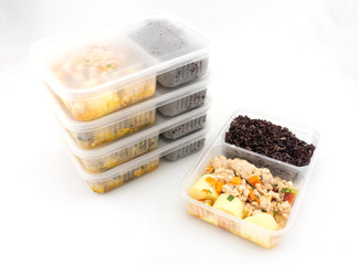 Packed lunch : Pork and Tofu eggs stir-fried in ketchup with Riceberry