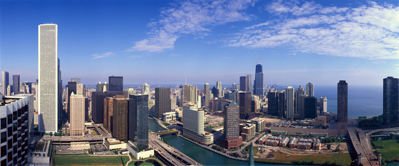 Panoramic view of Chicago River and Chicago skyline, IL