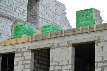 Construction of a house from gas-concrete blocks