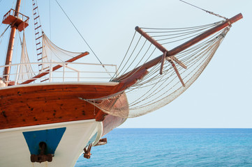 Wooden cruising yacht's bow