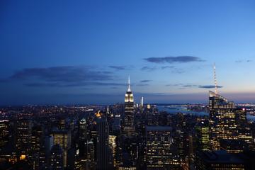 Skyline von Manhattan, New York bei Sonnenuntergang